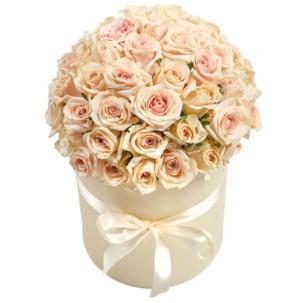 """Цветы в коробке """"Нежные Розы"""""""